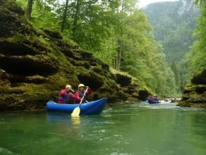 Překrásné údolí řeky Salzy se zeleně průzračnou barvou vody. Foceno na vodáckém zájezdu s CK RA - Zlín